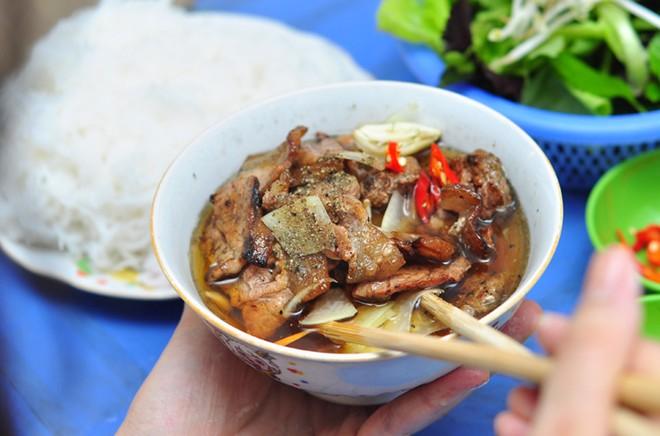 """Những hàng chuyên """"Bún"""" cực hấp dẫn ở Hà Nội"""